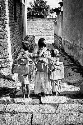 Friends Photograph - Going To School by Tim Gainey