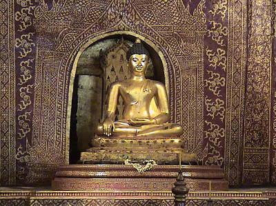 Golden Buddha Of Chang Mai Art Print by William Thomas