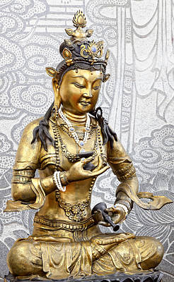 Golden Kuan Yin Original by Anek Suwannaphoom