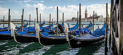 Photograph - Gondolas On The Grand Canal by Bob VonDrachek