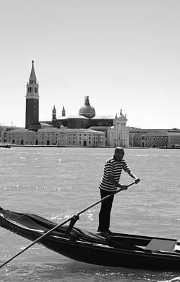 Photograph - Gondoliere by Valentino Visentini