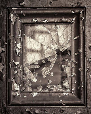 Photograph - Gone-to-pieces by John Hoey