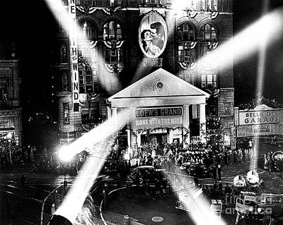 Photograph - Gone With The Wind Premiere At Loew's Grand Theater - 1939 by Doc Braham