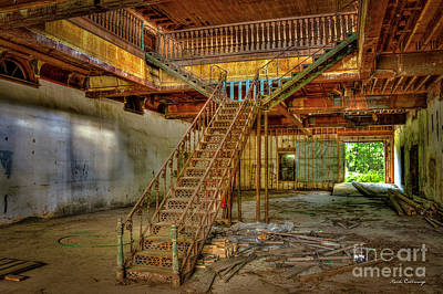 Photograph - Gone With The Wind Maxeys Staircase Art by Reid Callaway