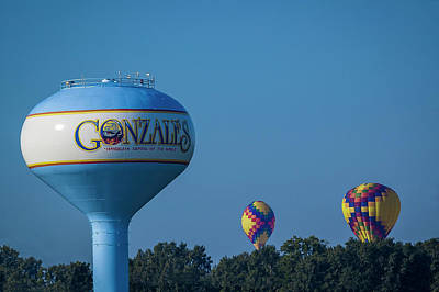 Photograph - Gonzales Balloons by Andy Crawford