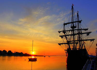 Photograph - Good Morning El Galeon by Suzanne DeGeorge