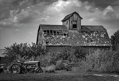 Photograph - Good Old Barn by Ray Congrove
