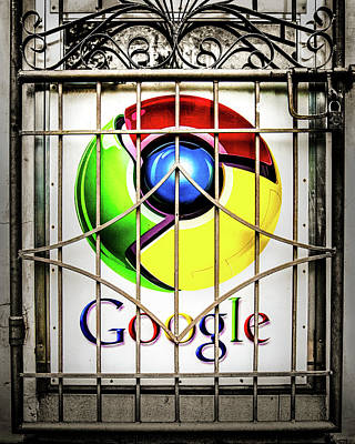 Photograph - Google At The Gate by Michael Arend
