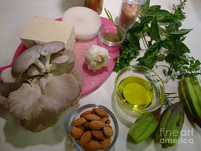 Kim Fearheiley Photography Royalty Free Images - Gourmet Oyster Mushrooms Royalty-Free Image by Tammy Brewer