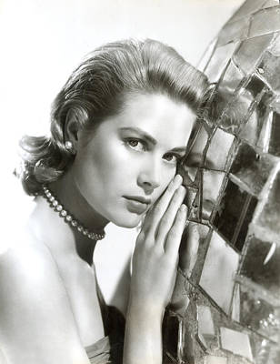 1950s Portraits Photograph - Grace Kelly, 1954 by Everett