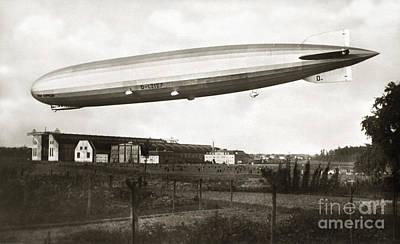 Painting - Graf Zeppelin In Flight by Granger