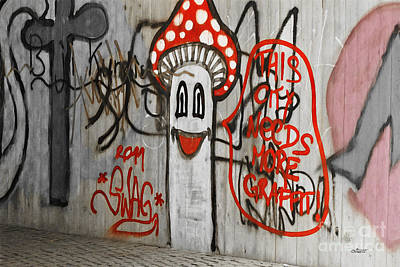 Photograph - Graffiti by Jutta Maria Pusl