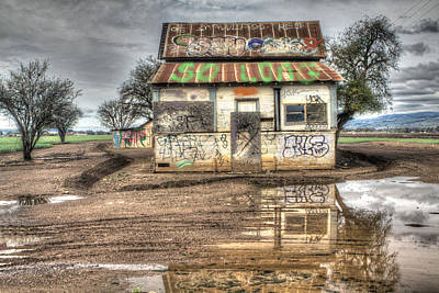 Photograph - Graffiti Shack - So Long by SC Heffner