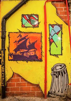 Grafiti In The City Of Naples Art Print