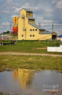 Balzac Photograph - Grain Elevator In Balzac Alberta by Louise Heusinkveld