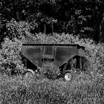 Photograph - Grain Wagon by Patrick M Lynch