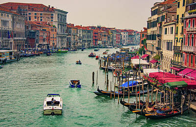 Photograph - Grand Canal At Rialto 1 by Gary Slawsky