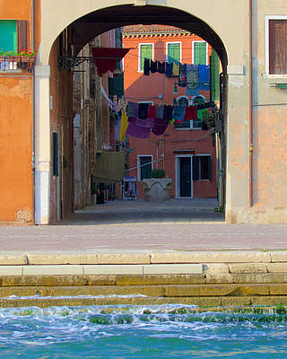 Photograph - Grand Canal Laundry by David Beebe