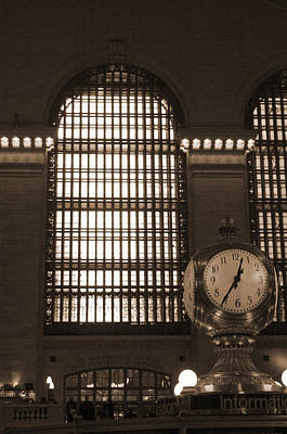 Photograph - Grand Central Station by Henri Irizarri