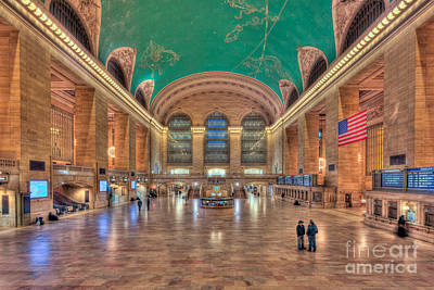 Photograph - Grand Central Terminal V by Clarence Holmes