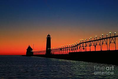 Grand Haven Light House Print by Robert Pearson