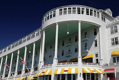 Photograph - Grand Hotel Mackinac Island 1 by Mary Bedy