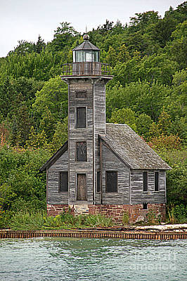 Photograph - Grand Island East Channel Lighthouse #6664 by Mark J Seefeldt