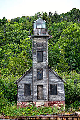 Photograph - Grand Island East Channel Lighthouse #6672 by Mark J Seefeldt