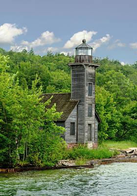 Photograph - Grand Island East Lighthouse, Munising, Mi by Jeff Kurtz