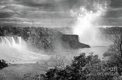 Photograph - Grand Niagara Falls Mono by Charline Xia