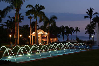 Photograph - Grand Wailea Fountain by Ben Prepelka