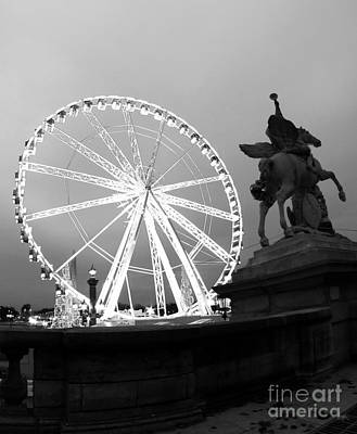 Ferris Wheel Photograph - Grande Roue De Paris by Paul Topp