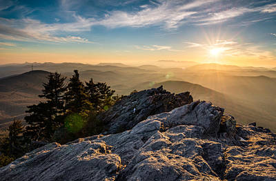 Sunburst Photograph - Grandfather Mountain Sunset Blue Ridge Parkway Western Nc by Dave Allen