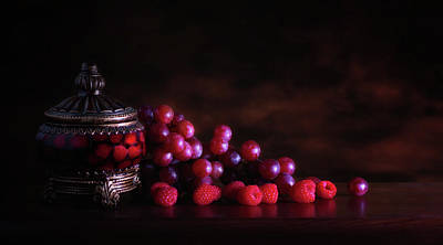 Raw Photograph - Grape Raspberry by Tom Mc Nemar
