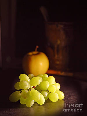 Photograph - Grapes And Apple On Table by R Muirhead Art