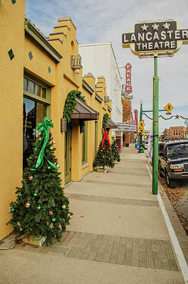 Photograph - Grapevine Texas At Christmas by Allen Sheffield