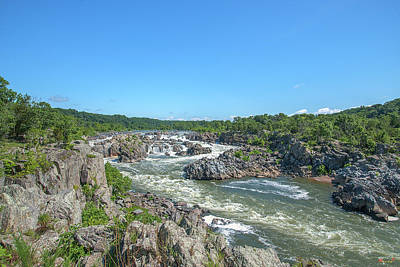 Photograph - Great Falls Of The Potomac River Ds0086 by Gerry Gantt