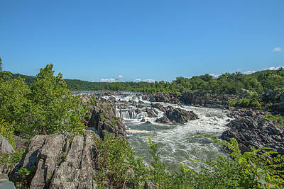 Photograph - Great Falls Of The Potomac River Ds0093 by Gerry Gantt