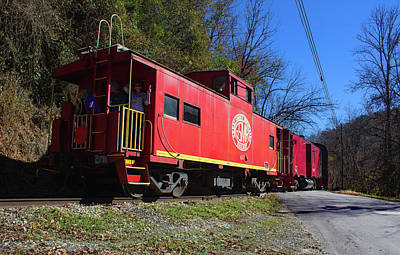 Photograph - Great Smoky Mountains Railway Caboose 10 Color by Joseph C Hinson Photography