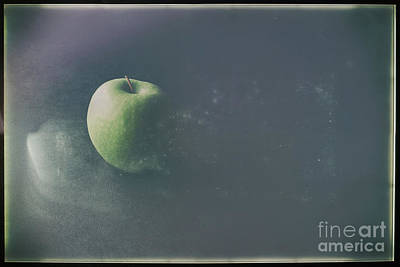 Photograph - Green Apple by Jimmy Ostgard