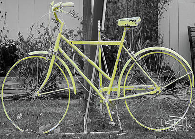 Giuseppe Cristiano - Green Bike by Rui DeGouveia