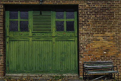 Window Bench Photograph - Green Door Shaker Wash House by Garry Gay