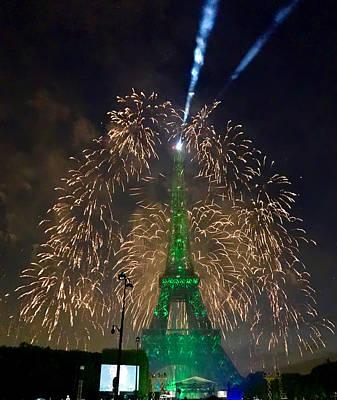 Photograph - Green Eiffel Tower by Les Weber