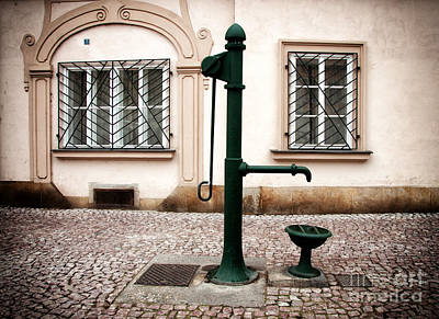 Courtyard Gallery Photograph - Green Water Pump by John Rizzuto