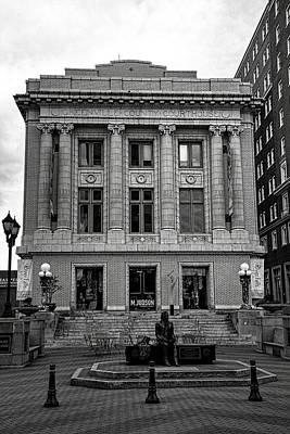 Greenville Photograph - Greenville County Courthouse In Black And White by Carol R Montoya