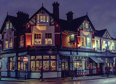 Photograph - Greenwich Pub by Nisah Cheatham