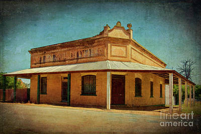 Photograph - Grenfell Hotel by Stuart Row
