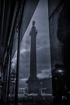 Photograph - Grey's Monument Reflection by David Pringle