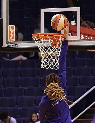 Wall Art - Photograph - Griner Dunking by Devin Millington