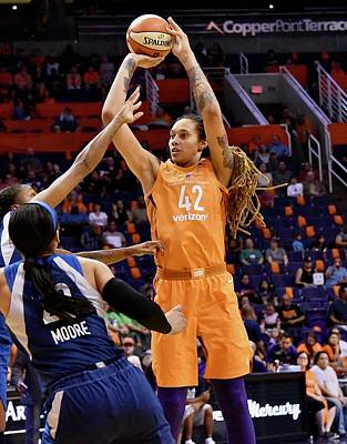 Photograph - Griner Jumper by Devin Millington